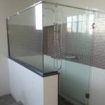 รับผลิตติดตั้งกระจกกั้นห้องน้ำ - รับติดตั้งกระจก อลูมิเนียม รามคำแหง แหลมทอง อลูมิเนียม