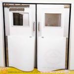 ประตูบานสวิงสองเปิดสองทาง (SWING DOOR) - รับติดตั้งประตูคลีนรูม ประตูหน้าต่างอลูมิเนียม สยาม เอเซีย อลูเทค