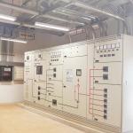ตู้ควบคุมไฟ พร้อมระบบไฟฟ้าฉุกเฉินอัตโนมัติ ระบบคอมพิวเตอร์ - รับออกแบบและสร้างห้องคลีนรูม คลีนแอร์ โปรดักท์