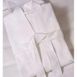 รับผลิตเสื้อคลุมอาบน้ำโรงแรม - ผู้ผลิตเครื่องนอน วินเนอร์ แฟบริค