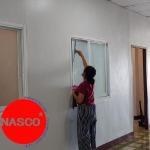 ทำความสะอาดเช็ดกระจก บิ๊กคลีน - แนสโก้ เซอร์วิส บริการ จัดส่งแม่บ้าน พนักงานทำความสะอาด และรับเหมาทำความสะอาด