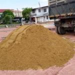 ทรายถมราคาถูก พร้อมจัดส่ง - ห้างหุ้นส่วนจำกัด ท่าทรายกฤติเดช ทรายเงิน