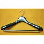 ไม้แขวนสำหรับร้านซักรีด - บริษัท ไม้แขวนเสื้อ กลุ่มบริษัท เอส พี ยูเนี่ยน จำกัด