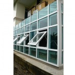 Install windows in the Krueng Bangna - Srinakarin Glass Aluminium