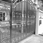 ประตูสแตนเลส - ไพโรจน์ สติล แอนด์ กลาส