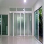 ประตูบานพับ - ร้าน พนม อลูมิเนียม