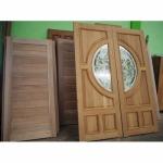 ประตูไม้งานฝีมือ - โรงงานแปรรูปไม้ ง้วนเฮงล้ง