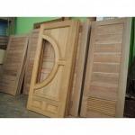 ผลิตประตูไม้สัก เกรด A - โรงไม้ ง้วนเฮงล้ง
