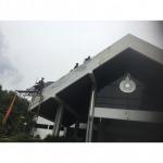 Roofing by the roof. - ผู้รับเหมาติดตั้งหลังคาและจำหน่ายอุปกรณ์หลังคาราคาส่ง นนทบุรี