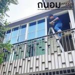 รับติดตั้งกระจกหน้าต่าง ปทุมธานี - ถนอมการช่าง รับติดตั้งกระจกอลูมิเนียม