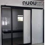 รับติดตั้งกระจกอลูมิเนียมประตู นนทบุรี - ถนอมการช่าง รับติดตั้งกระจกอลูมิเนียม