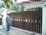ช่างติดตั้งรั้วประตูบ้าน - Pradit Karnchang