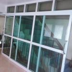 รับติดตั้งกระจกอลูมิเนียม ราคาถูกสระบุรี - ติดตั้งกระจกอะลูมิเนียม สระบุรี