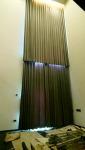 ม่านกระจกสูง - ร้านออกแบบ สั่งทำ พร้อมช่างติดตั้งผ้าม่าน วงเวียนใหญ่ อู๋ผ้าม่าน