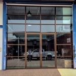 ประตูกระจกบานสวิง - ร้านวรพัฒน์การช่าง