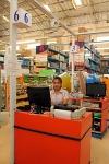พนักงาน แต่งชุดฟอร์ม เป็นระเบียบ ยินดีต้อนรับ - บริษัท นิวง่วนแสงไทย 2003 จำกัด
