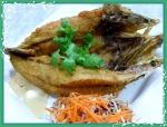 ปลากะพงทอดน้ำปลา - แม่ลาปลาเผา