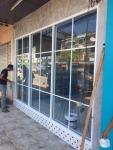 งานติดตั้งหน้าต่างอลูมิเนียม สุราษฎร์ธานี  - ห้างหุ้นส่วนจำกัด พ ทักษิณ อลูมินั่ม
