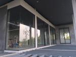 ติดตั้งกระจกบานเปลือย สุราษฎร์ธานี - Por Taksin Aluminum Part., Ltd.