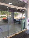 ติดตั้งประตูกระจกบานสวิง สุราษฎร์ธานี - ห้างหุ้นส่วนจำกัด พ.ทักษิณ อลูมินั่ม
