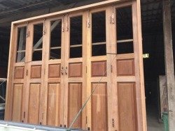 ชุดประตูบานเฟี้ยมไม้ - บริษัท ซิ้มย่งหลี ทิมเบอร์ กรุ๊ป จำกัด