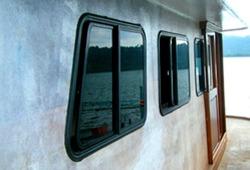 หน้าต่างเรือ - อาณาจักร-กระจกโค้ง