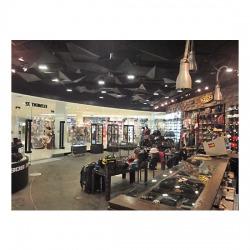 ตู้โชว์สินค้า - ห้างหุ้นส่วนจำกัด นันทวัน ดีไซน์