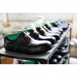 Safety shoes factory - Far East Marketing Co Ltd