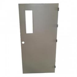 ประตูเหล็กมีช่องกระจก