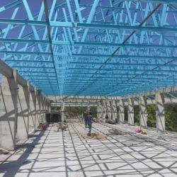 ติดตั้งโครงหลังคาสำเร็จรูปอาคารโรงเรียน