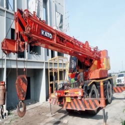 Cranes for rent Samut Prakan - Phadaeng Crane Korsang Co., Ltd.