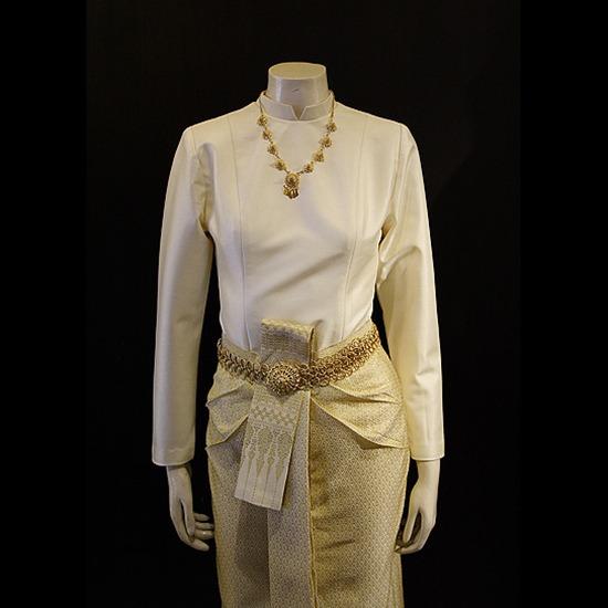 ตัดชุดไทย รับตัดสูทลำปาง   ตัดชุดเครื่องแบบ   ออกแบบสัดส่วนเสื้อผ้า   ตัดสูทตามสัดส่วน   ตัดสูทมหาวิทยาลัย   ตัดสูทคณะ   ตัดสูทองค์กร   ตัดชุดเครื่องแบบข้าราชการ   ออกแบบตัดเย็บชุดราชปะแตน   ชุดกากี   ตัดสูทซาฟารี   ตัดชุดราตรี   ตัดเสื้อช็อป    เสื้อช่าง   ตัดเย็บชุดสูท