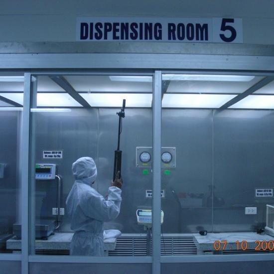 ห้องชั่งยา (Dispensing Booth) ห้องชั่งยา (dispensing booth)