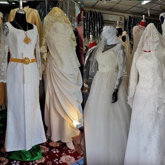 เช่าชุดแต่งงาน ชุดแต่งงาน   เช่าชุดแต่งงาน   ชุดไทย   ชุดแต่งงานอิสลาม   ชุดราตรี   ชุดสูท   ชุดเดรส   รับออกแบบตัดเย็บเสื้อผ้าบุรุษและสตรี    ห้องเสื้อซิกส์ฟินิกส์เวดดิ้ง   เช่าชุดเจ้าบ่าวเจ้าสาวอิสลาม   ชุดแบบสากล   ชุดเพื่อนเจ้าสาว   ชุดเพื่อนเจ้าสาว