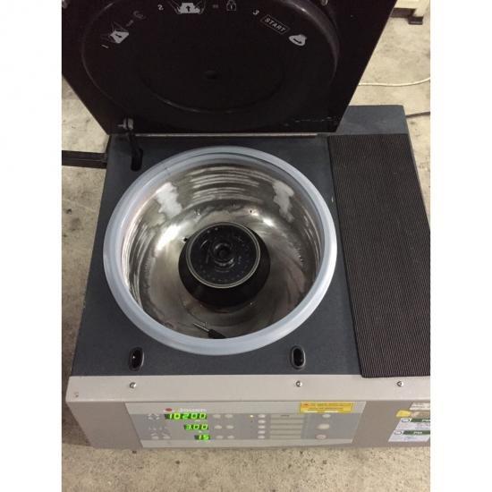 Centrifuge  เครื่องเหวี่ยงแยกตะกอน - บริษัท แอพพลิเคชั่น เอ็นจิเนียริ่ง (2012) จำกัด - centrifuge เครื่องเหวี่ยงแยกตะกอน การปั่น การใช้แรงเหวี่ยง เซนทริฟิวเกชั่น การหมุนเหวี่ยง การเหวี่ยง วิธีปั่น [การแพทย์]