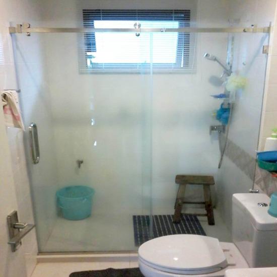 ฉากกั้นอาบน้ำบานเปิดเปลือย - บริษัท เอ โอ วาย เชาเวอร์ จำกัด