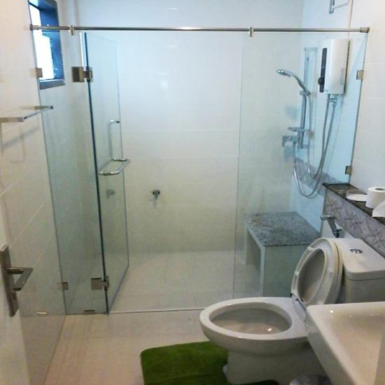 ฉากกั้นอาบน้ำ - บริษัท เอ โอ วาย เชาเวอร์ จำกัด - จำหน่ายติดตั้งฉากกั้นอาบน้ำ  ฉากกั้นอาบน้ำบานเปิดเปลือย  ฉากกั้นอาบน้ำ  ฉากกั้นอาบน้ำบานเลื่อนเปลือย  กั้นอาบน้ำบานเลื่อนมีเฟรม  บานโช๊คประตู  ติดตั้งฉากกั้นอาบน้ำ