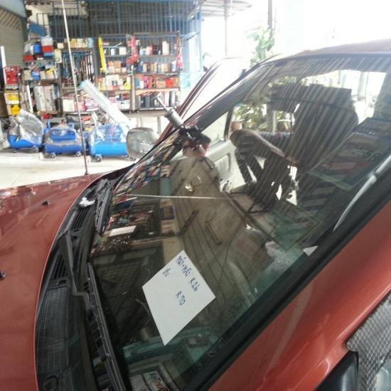 ซ่อมกระจกหน้ารถยนต์ 10526942