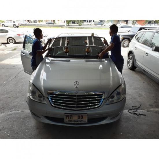 รับเปลี่ยนกระจกรถยนต์ งานกระจก งานกระจกรถยนต์ กระจกรถยนต์ เปลี่ยนกระจกรถยนต์ ติดฟิล์ม ฟิล์มกรองแสง ฟิล์มรถยนต์ ติดกระจกรถยนต์ ติดกระจกรถ