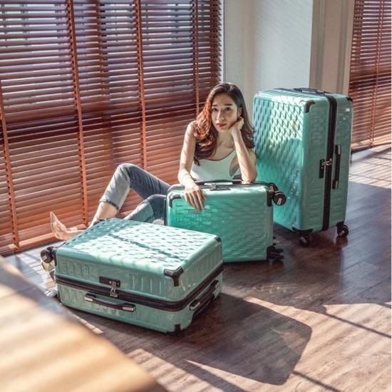 กระเป๋าเดินทางรุ่น Elite  (อีลิท) กระเป่าเดินทางแฟชั่น  กระเป๋าเดินทางน้ำหนักเบา