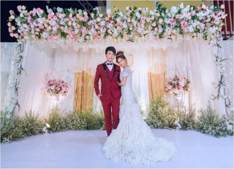 จัดซุ้มดอกไม้ นครสวรรค์ - wedding planning nakhonsawan wanrak studio
