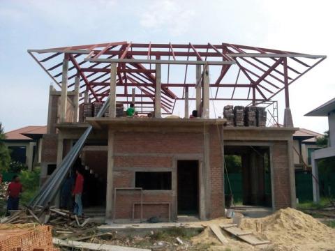 งานโครงหลังคา - ห้างหุ้นส่วนจำกัด พลวิศ การก่อสร้าง