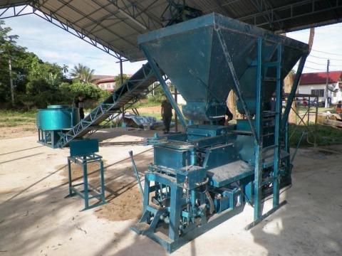 เครื่องผลิตอิฐบล็อก พร้อมน้ำยา - PPM Machinery Co Ltd