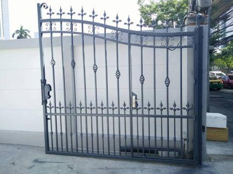 รั้วประตู - บริษัท เมททอลแฮนด์คราฟ จำกัด