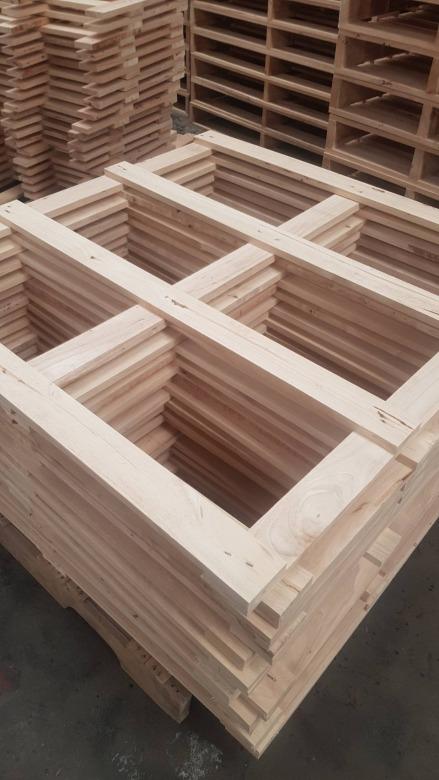 ผลิตโต๊ะไม้